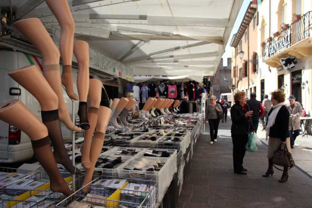 Markttag in Soave